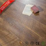 PVCフロアーリングの中国の製造業者販売2mmの利点そして不利な点