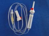 Beschikbare Medische Bloedtransfusie die met de Haven van de Injectie van de Plaats van Y wordt geplaatst