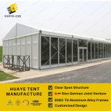 Grande tenda della festa nuziale con i rivestimenti e parete solida per la tenda foranea per qualsiasi tempo di eventi