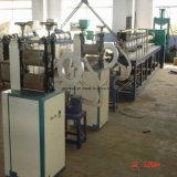 PE Extruder die van de Buis van de Bescherming van de Dekking van de Pijp van het Schuim de Plastic Machine maken
