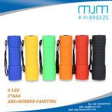 De Beste 9 LEIDENE van de bevordering Mini Plastic die 9LED Toorts van het Flitslicht in Rubber met de AMERIKAANSE CLUB VAN AUTOMOBILISTEN van de Batterij met een laag wordt bedekt