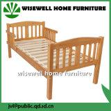 Hölzernes einzelnes Bett in der weißen Farbe
