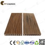 Suelo gris de madera profundo al aire libre hueco de alta resistencia del grano 3D