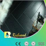 コマーシャル12.3mmのE0 AC4によって浮彫りにされるヒッコリーの防水積層のフロアーリング
