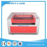Corte del laser del CO2 de la alta calidad y máquina de grabado para el acrílico
