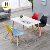 Design moderno Cadeira de réplica Cadeira Café Pernas de madeira Cadeira de Plástico