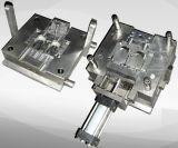 A eletrônica automotriz parte o molde plástico da injeção