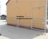 Дешевые используется лошадь крупного рогатого скота скота животных во дворе фермы панелей металлические Фермы животноводства Ограждения панели Китай