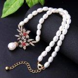 De eenvoudige Halsband van de Parel met de Rode Vorm van de Bloem voor Elegant Wijfje