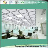 カスタマイズされる屋内装飾のための正方形の金属の天井アルミニウムを曇らす