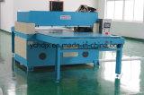 Máquina que corta con tintas para la fabricación de la gorra de béisbol
