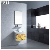 Freier kupferner freier Spiegel verwendet im Badezimmer