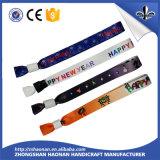 Lanière colorée promotionnelle de polyester de type neuf de mode