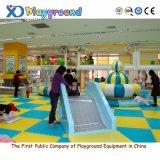 Cour de jeu d'intérieur en plastique commerciale populaire, matériel de gymnastique de jeu de gosses