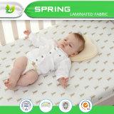 赤ん坊のまぐさ桶の十分に通気性の取り外し可能なマットレスの保護装置
