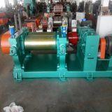 Motor dentro del molino de mezcla abierto del caucho con el mezclador común