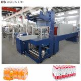 Macchina di plastica del macchinario dell'imballaggio di involucro restringibile della pellicola della bottiglia dell'animale domestico automatico