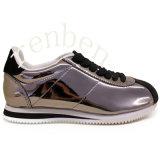 Beiläufige Kleber-Schuhe der neuen Frauen