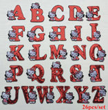 衣類のきらめきによって刺繍されるパッチワークのためのスパンコールパッチの26PCSこんにちはキティの文字のアルファベットのジャケットパッチの鉄