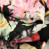 직물 공장에서 꽃 패턴 레이온 직물