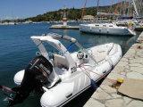 Jacht 580 van de Boot van de Motor van de Glasvezel van de Visserij van Sprots van de rib Stijf Opblaasbaar met de Console van het Centrum
