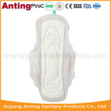 Ultra dünnes Ineinander greifen-Oberseite-Blatt-preiswerte gesundheitliche Servietten für Großverkauf