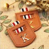 衣服のための革パッチとの個人化された金属のロゴ