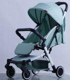 Neuer Entwurfs-Luxuxfalten-BabysPram mit europäischem Standard
