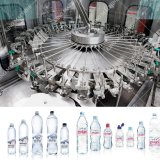 Bouteille d'eau avec un bon fabricant de machines de remplissage