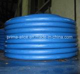 Tubo di gomma del silicone con il commestibile e medico