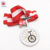 Medaglia d'argento di sport della bicicletta di placcatura con il nastro