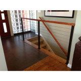 Barandilla del balcón del apartamento/barandilla de madera del pasamano del cable del acero inoxidable