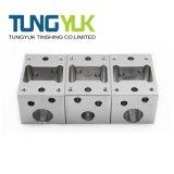 Personnalisé de haute précision de pièces d'usinage CNC avec des pièces de machine