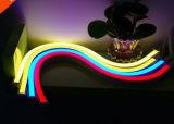 Luz de tira de neón plástica lechosa de la flexión impermeable SMD2835 220V