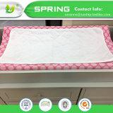 赤ん坊の防水ベッドパッドのベッドのWettingは吸収剤のパッドの幼児、子供のための洗濯できるベッドパッドにパッドを入れる