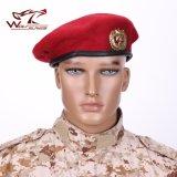 Haut de laine de qualité militaire des Forces spéciales de bérets chapeaux bonnets de laine de l'Armée de mens soldat Boinas respirant de plein air avec insigne militaire de formation