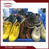 Sapatas de couro barato e barato usadas para a exportação
