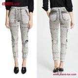 OEM&ODMの方法女性の女性ズボンのズボンの現代デニムのジーンズは終わりJl-Sk084を酸性染料で色落ちさせる
