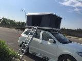 キャラバンのアクセサリの販売のための屋外の堅いシェルの屋根の上のテント
