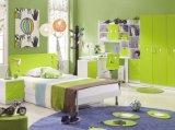 Conjunto de dormitorio de los cabritos con alto brillante