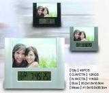 El marco de fotos LED con un reloj