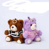 Милый симпатичный медведь шаржа/крен силы игрушечного форменный