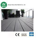 Decking composto plástico de madeira de China WPC para o revestimento ao ar livre