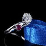1 캐럿 둥근 Moissanite 다이아몬드와 합성 Ruby 조정 은빛 반지 보석