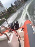 Motor fueraborda barco