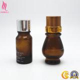 Bernsteinfarbige runde Glasflasche für täglichen kosmetischen Gebrauch