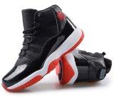 通気性の方法身につけられるバスケットボールのスポーツの靴