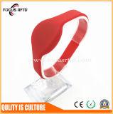 Wristband ISO18000-6c do silicone da freqüência ultraelevada 865MHz-965MHz RFID