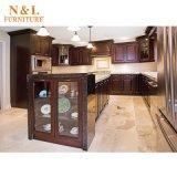 Mobilia di lusso dell'armadio da cucina del grano di legno di quercia con gli apparecchi di Blum