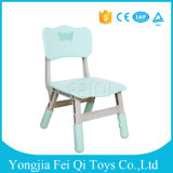 아이 연구 결과를 위한 아이들 플라스틱 테이블 그리고 의자, 주문을 받아서 만들어진 아이 의자